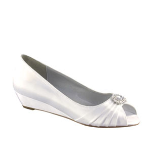 Dyeables Womens Anette White Satin Pumps Wedding Shoes