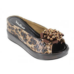 Helens Heart Womens CFW-8127-19 BrownLeopard Beaded Sandals Casual Shoes