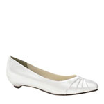 Touch Ups Womens Shirley White Satin Kitten Heels Wedding Shoes