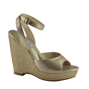 Touch Ups Womens Viviana Champagne Glitter Wedge Prom and Evening Shoes